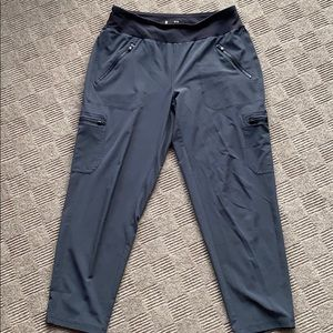 Lucy Cropped Cargo Pants